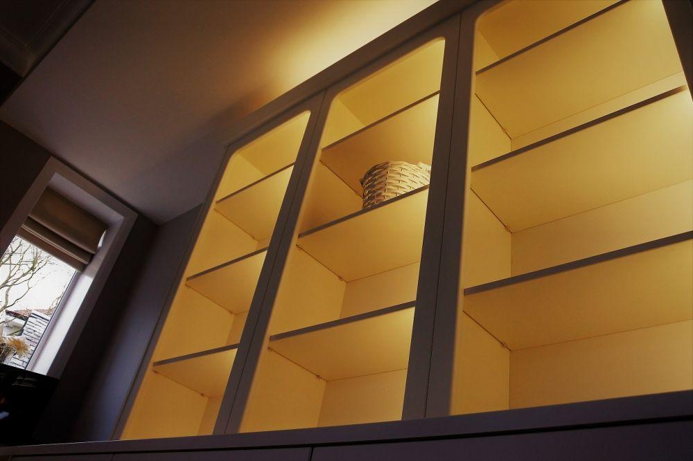 BA Cambridge Bookshelf with LED Lighting