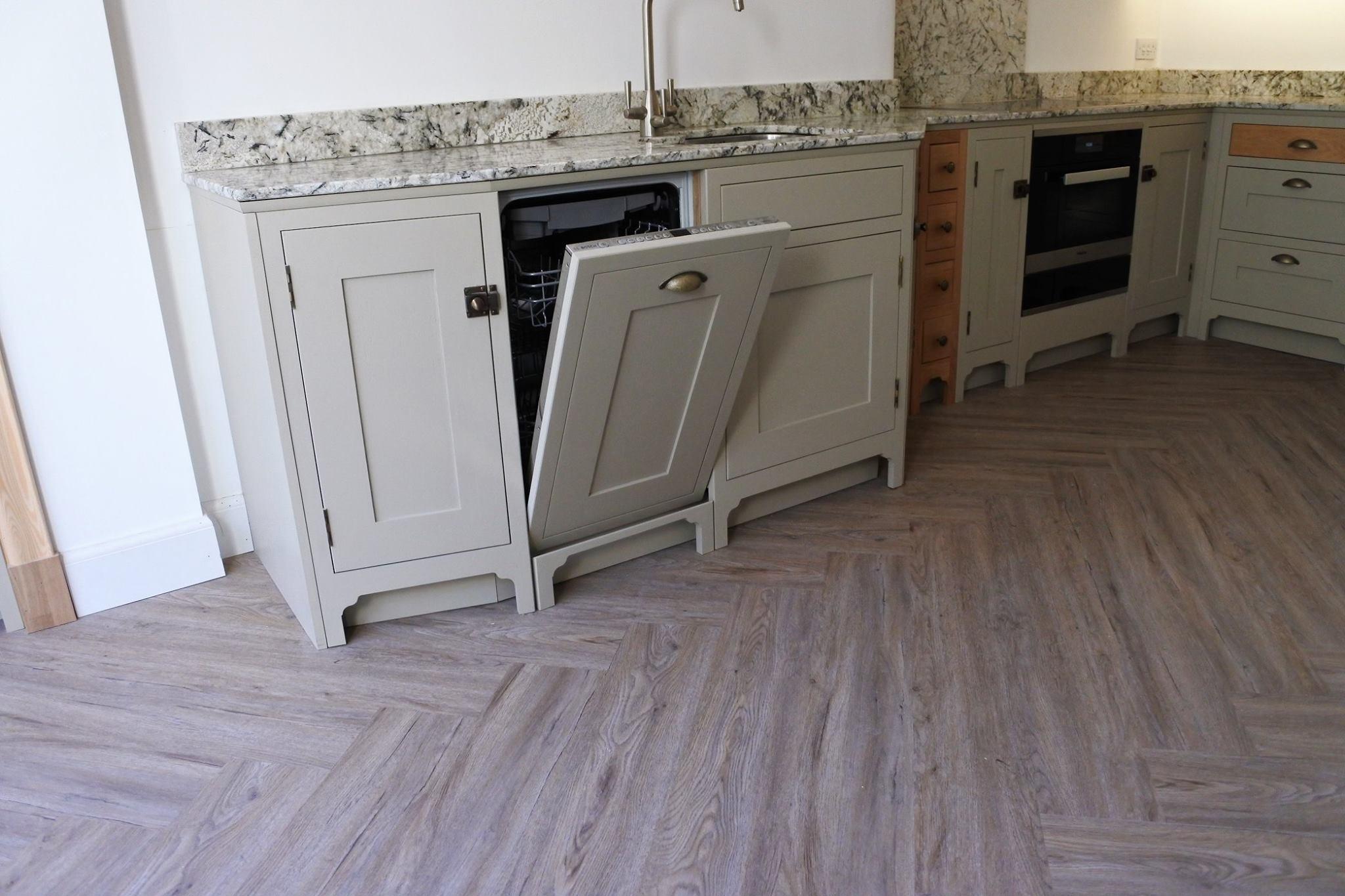 glasgow-bespoke-kitchens-dishwasher