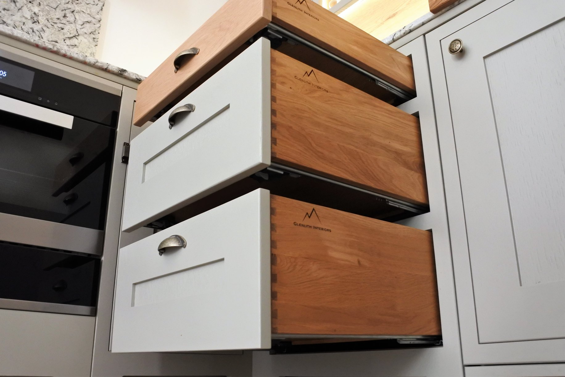 glasgow-bespoke-kitchens-drawers
