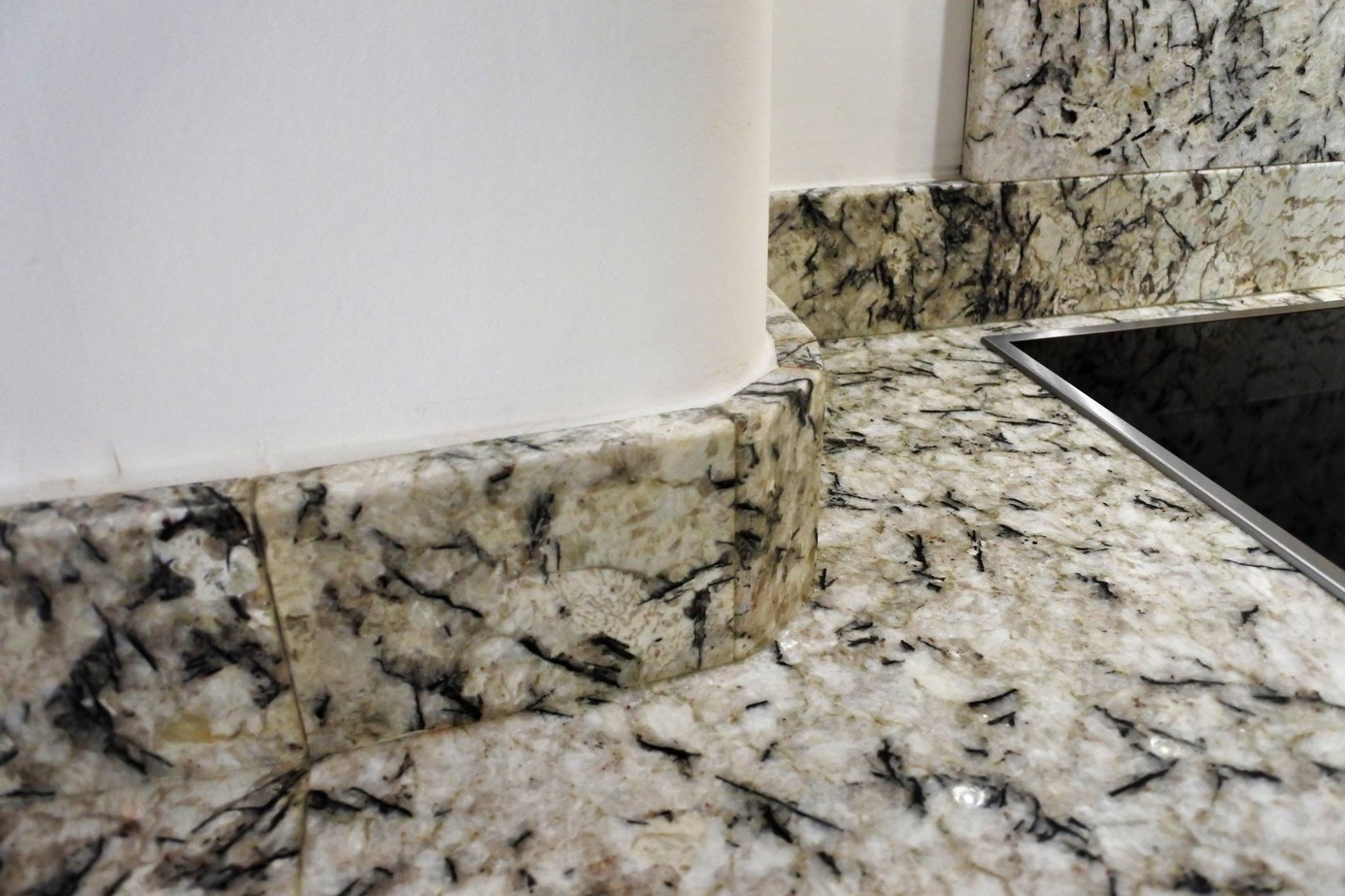 glasgow-bespoke-kitchens-granite-worksurface