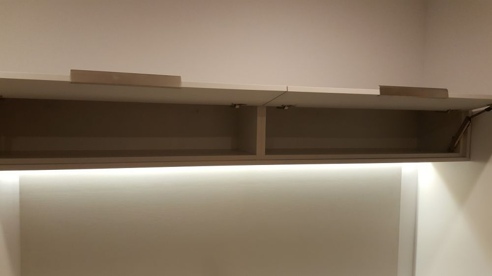 Floating Top Box with Blum Avantos Soft Close Lifts