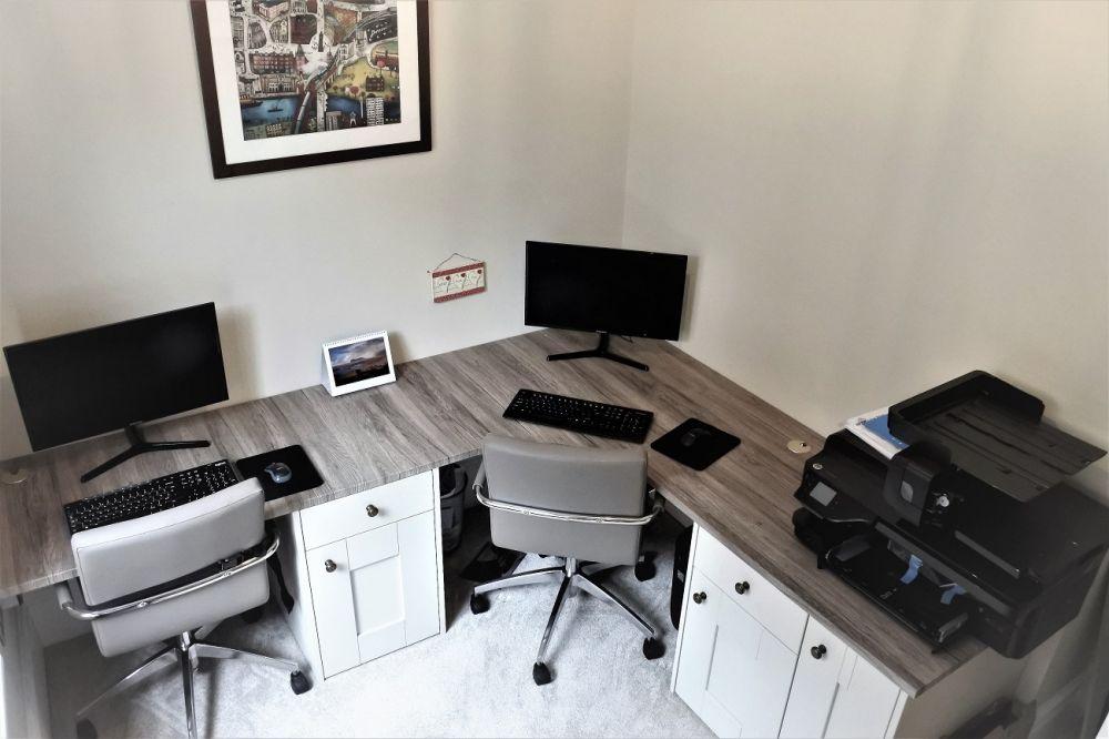 BA Pronto Oakgrain Mussel & Sam Remo Rustic Tops Curved Home Office