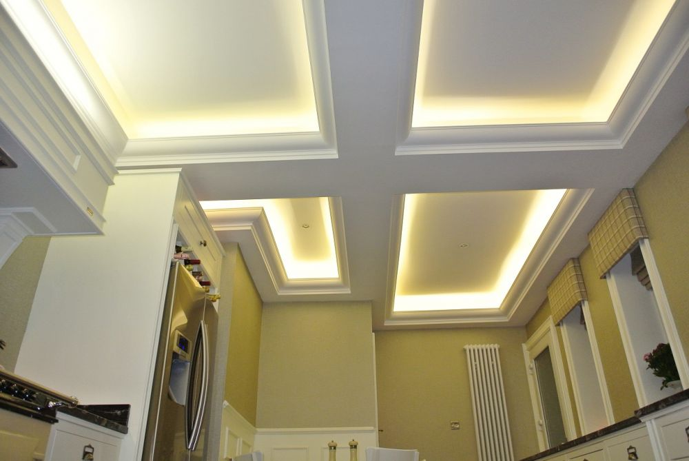 Uplit chambered ceiling in Newton Mearns