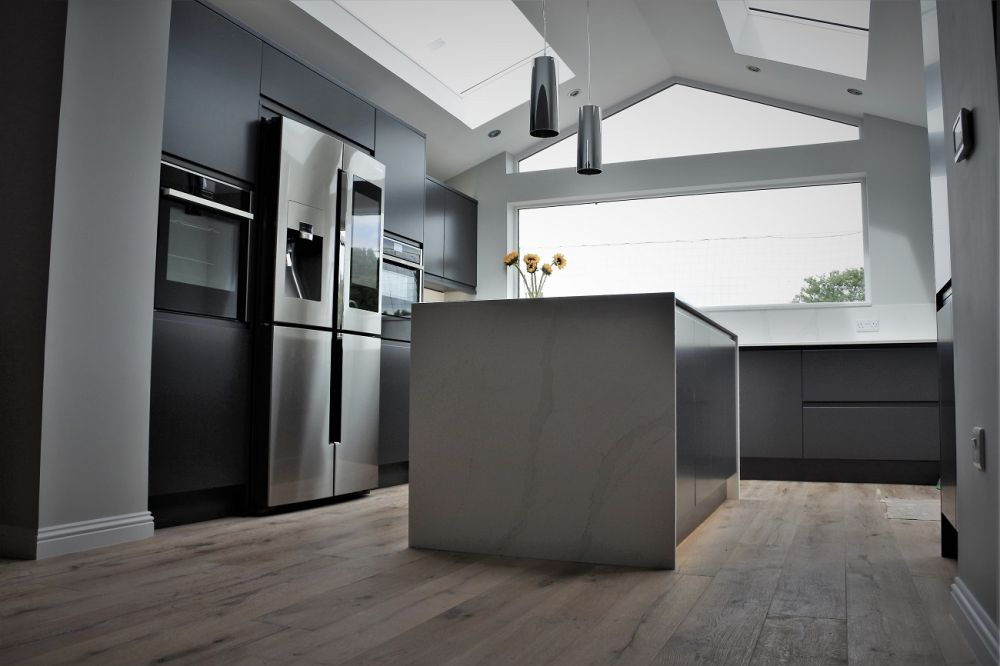Remo Painted Matt Graphite Handleless kitchen