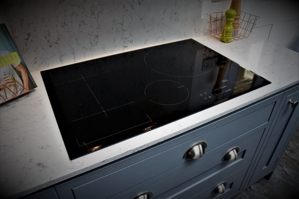 AEG induction hob - Giffnock, Glasgow