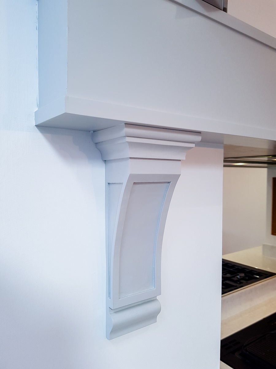 Latta/detail corbel sprayed to match mantel inframe kitchen