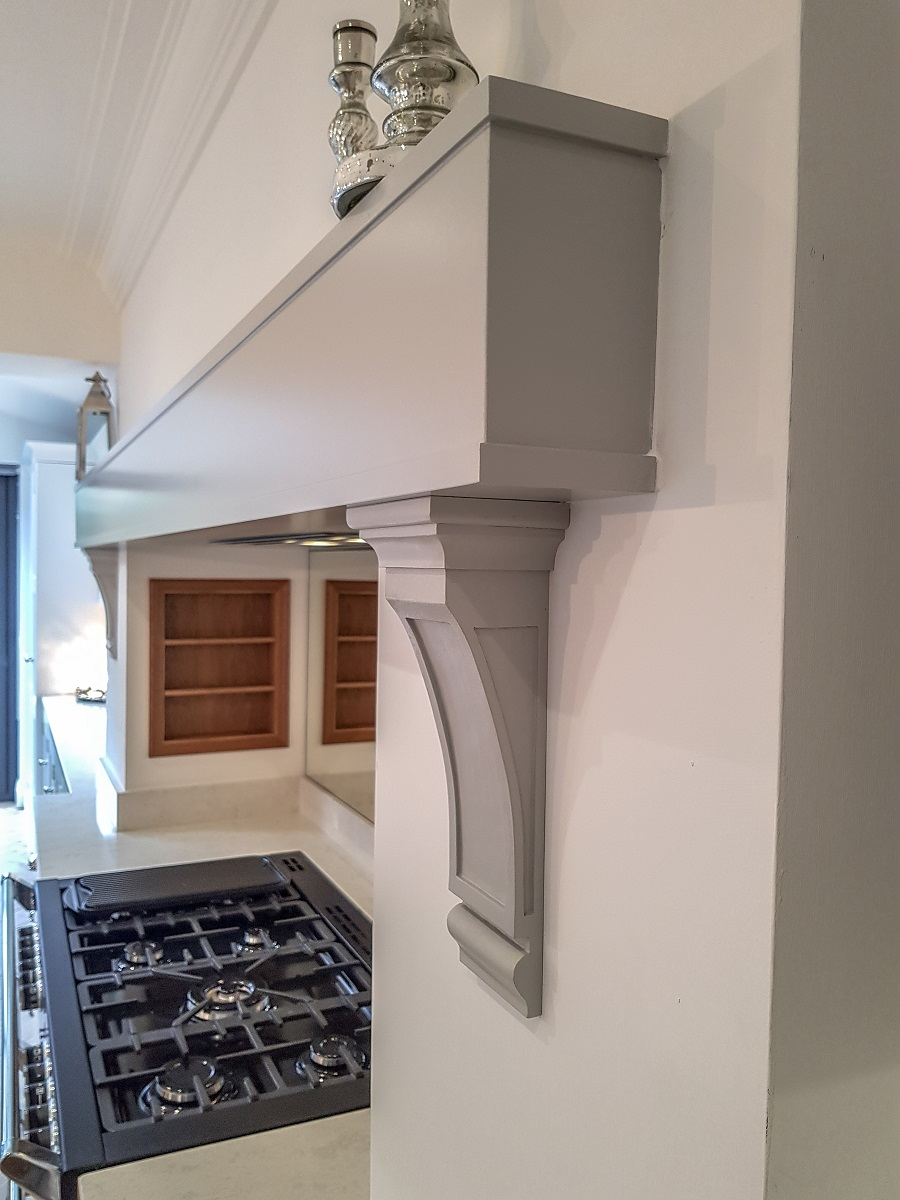 Latta/made to order mantel on inframe kitchen glasgow