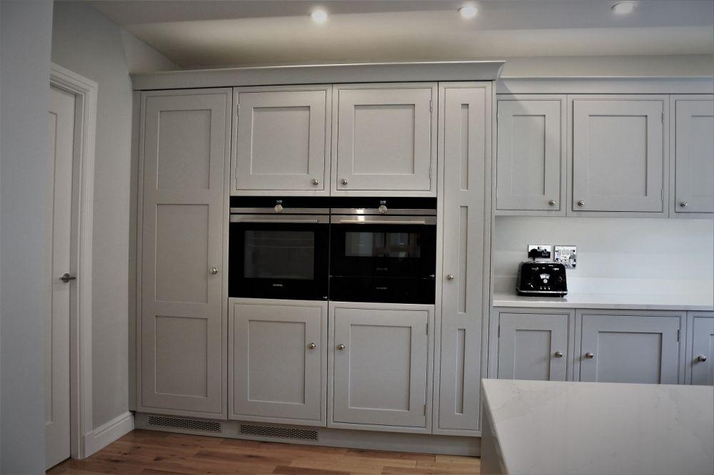 Siemens wifi oven installed in an inframe kitchen