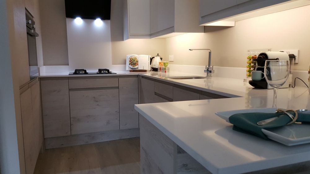 BA Pronto Malton Hemlock Nordic & Second Nature Matt White Remo with Blanco Zeus Silestone, Glasgow, Hyndland G12