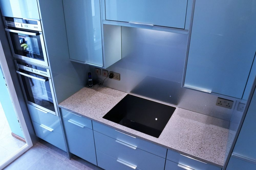chrome-silestone-induction-hob-glasgow-bespoke-kitchen