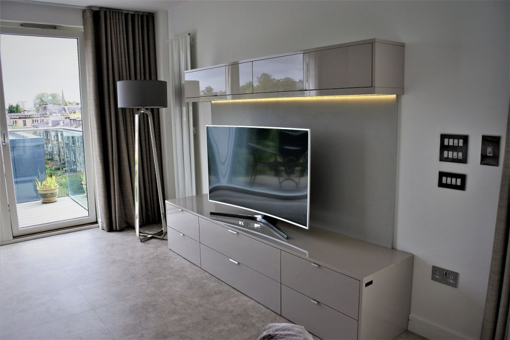 High Gloss Cashmere Zurfiz Media Unit